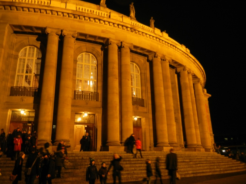 The State Opera in Stuttgart after the performance of Peter Pan. Photo credit: Hannah
